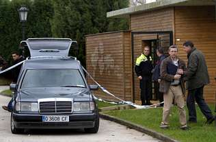Un joven fallece al ver a su padre muerto en los aseos de un parque de Oviedo